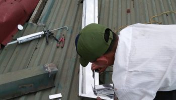 dịch vụ sửa chữa thay thế lắp đặt máng inox 3