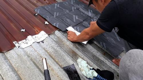 chống dột mái tôn bị thủng 1