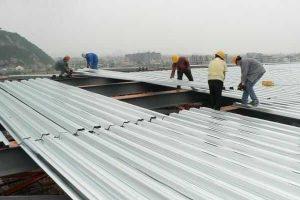 Lợp mái tôn chống thấm bao nhiêu tiền 1 m2? Chi phí có đắt hay không?