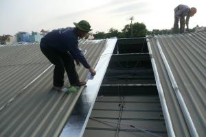 Dịch vụ sửa chữa mái tôn thay máng tôn tại Hai Bà Trưng