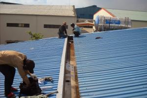 Đơn vị chuyên sửa chữa mái tôn thay máng tôn tại Từ Liêm