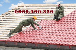 Những lưu ý khi thi công mái tôn – Thi công mái tôn của maitonaqua