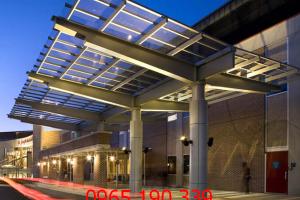 Ưu điểm nổi bật của việc lắp đặt mái kính khách sạn