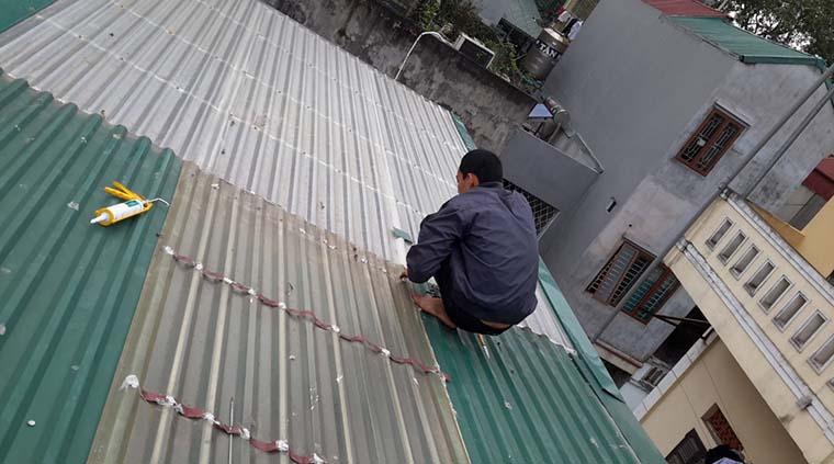 sửa chữa thay thế mái tôn