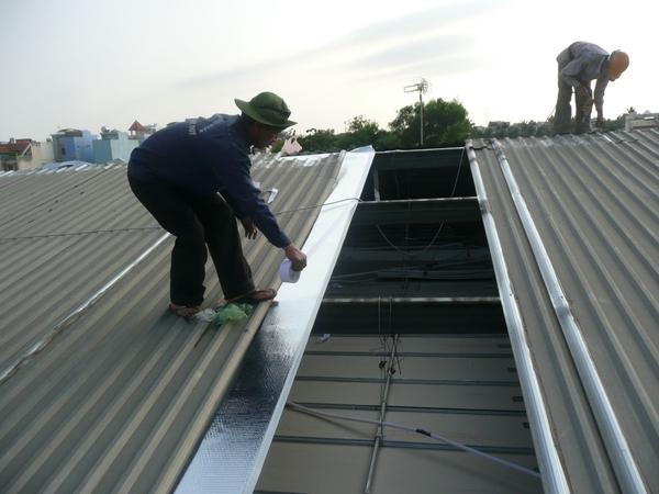 dịch vụ thi công mái tôn chống nóng