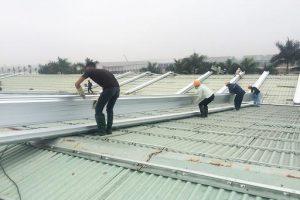 Làm mái tôn Hòa Phát 2 mái tại Hà Nội nhanh đẹp, giá tốt nhất