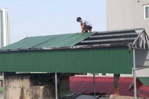AQua mang tới dịch vụ lợp mái tôn chống thấm nhà tại Long Biên tốt nhất