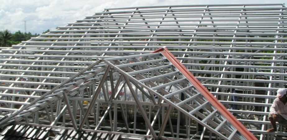 Chất lượng công trình khi lợp mái tôn hòa phát chống thấm nhà