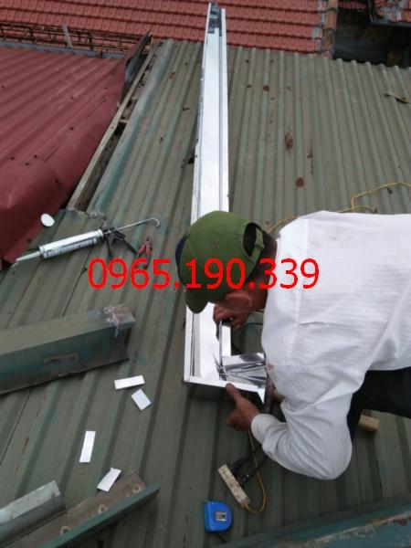Hàn máng xối inox tại KCN Minh Đức